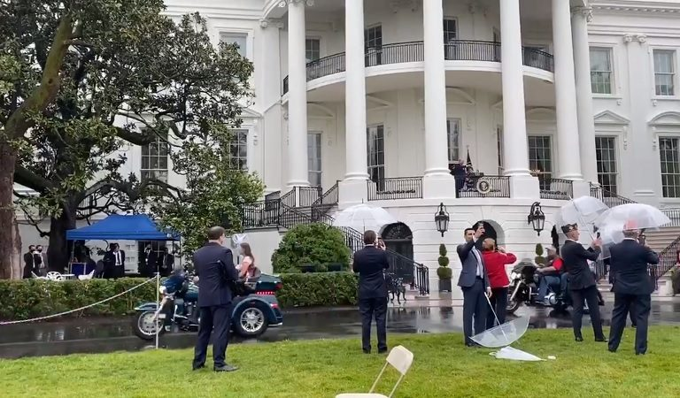 Americans Are Disgusted After Trump Allows Bikers To Rumble Their Harleys Across The Grounds Of The White House