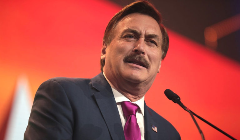 Video Footage Appears To Show Trump Fans Leaving Mike Lindell Rally As MyPillow CEO Goes On Bizarre Rant About Jesus