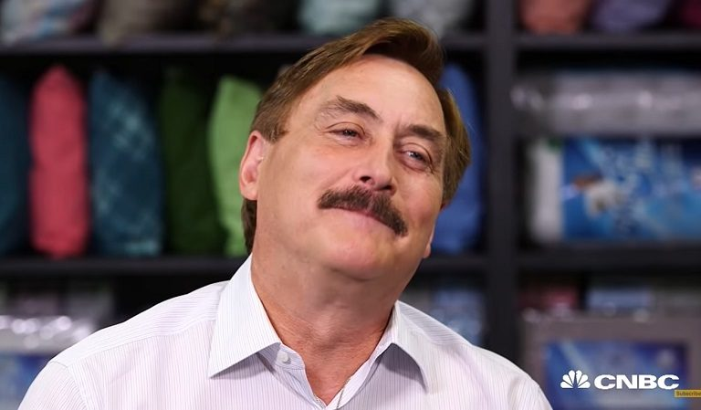 """Delusional Mike Lindell Says Even Though He Was """"Hoping"""" Election Would Be Overturned In August, """"Nothing Has Changed"""" And Plan Is Moving Forward"""